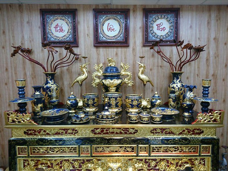 Vị trí và cách sắp xếp bát hương trên ban thờ gia tiên
