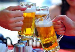 Nhân viên chuyển nhà nên hạn chế đồ uống có cồn