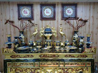 Vị trí đặt bát hương trên ban thờ gia tiên